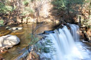 autumn-water-falls-1239438-m